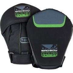 Боксерские фокус-лапы Bad Boy Pro Series 3.0 green