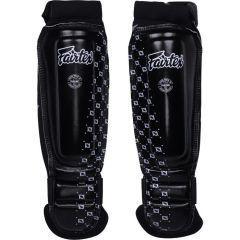 Шингарды (накладки на ноги) для ММА Fairtex - черный